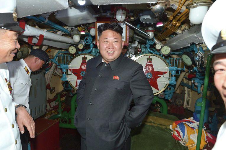 Картинки по запросу ким чен ын на подводной лодке