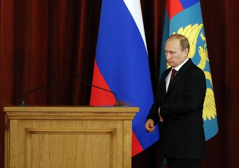 Владимир Путин на совещании с послами и постоянными представителями России