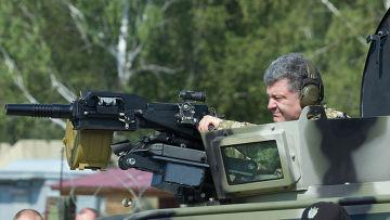 Петр Порошенко посетил Первую оперативную бригаду Национальной гвардии под Киевом