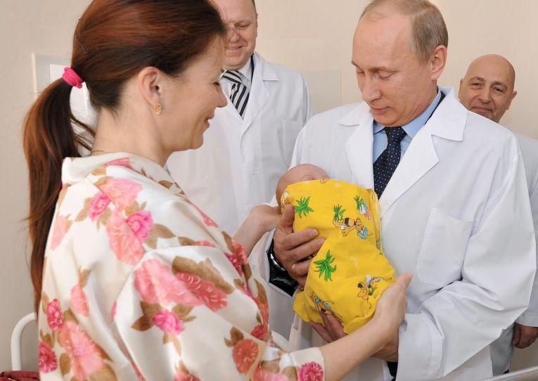 Рабочая поездка премьер-министра РФ В.Путина в Северо-Западный федеральный округ