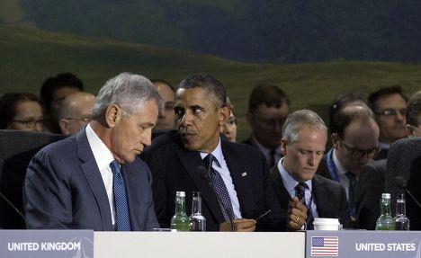 Барак Обама и министр обороны США Чак Хэйгел на саммите НАТО в Уэльсе