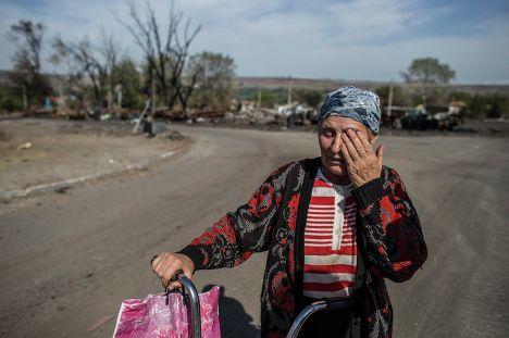 Женщина из села Лутугино расположенной в районе Луганска