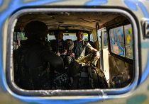 Бойцы батальона «Айдар» рядом с городом Счастье Луганской области