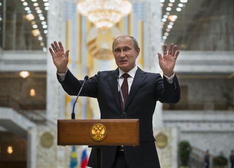 Владимир Путин разговаривает с журналистами после встречи с Петром Порошенко в Минске