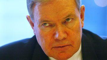 Экс-премьер Финляндии: Перестаньте ломать комедию!