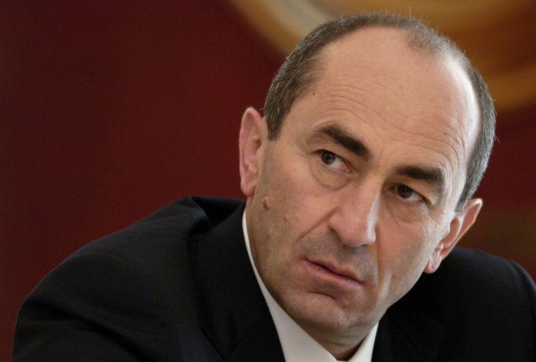 «Грапарак»: Роберт Кочарян участвовал в официальных мероприятиях в Степанакерте