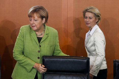 Канцлер ФРГ Ангела Меркель и министр обороны ФРГ Урсула фон дер Лайен