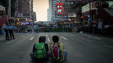Преувеличена ли угроза цветных революций?