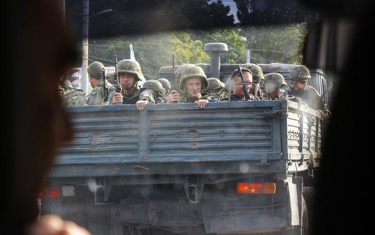 Солдаты украинской армии в Мариуполе
