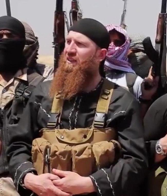 Чеченский боевик Омар аль-Шишани, воюющий на стороне Исламского государства