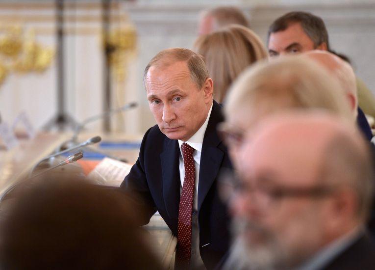 Владимир Путин на заседании Совета по развитию гражданского общества