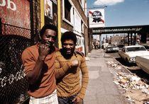 Молодые люди на юге Чикаго, около 1973 года