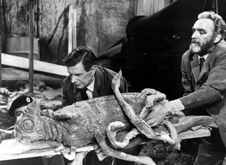 Кадр из фильма «Куотермасс и колодец»