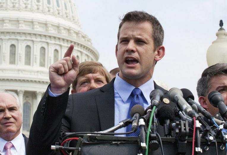 Конгрессмен от штата Иллинойс Адам Кинзингер