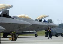 Истребители F-22 Raptor на военной базе в Хэмптоне