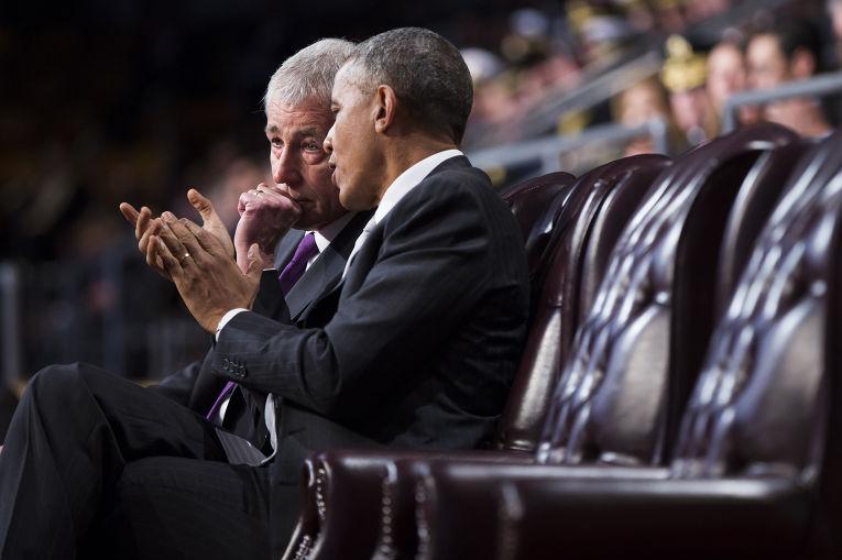 Президент США Барак Обама и покидающий свой пост министр обороны Чак Хэйгел