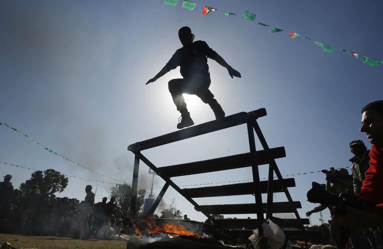 Молодежный военный лагерь ХАМАС