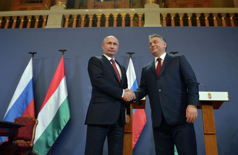 Президент России Владимир Путин и премьер-министр Венгерской Республики Виктор Орбан во время совместной пресс-конференции в Будапеште