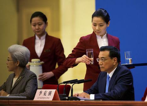 Ежегодная пресс-конференция премьер-министра Китая Ли Кэцяна