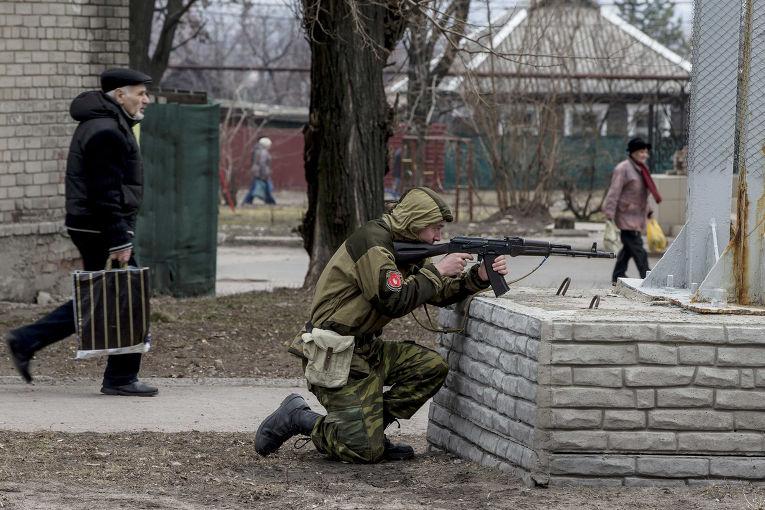Антитеррористические учения пророссийских ополченцев в Донецке