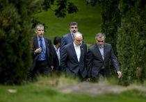 Вице-президент Ирана по атомной энергетике Али Акбар Салехи и брат президента Ирана Хуссейн Ферейдун на переговорах по иранской ядерной программе в Лозанне