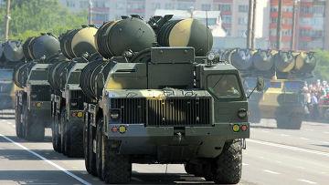 Пусковые установки С-300, принимают участие в военном параде в честь Дня Независимости Белоруссии в Минске