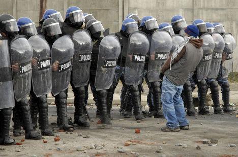 Протесты после убийства 15-летнего подростка в Сан-Карлос-де-Барилоче, Аргентина