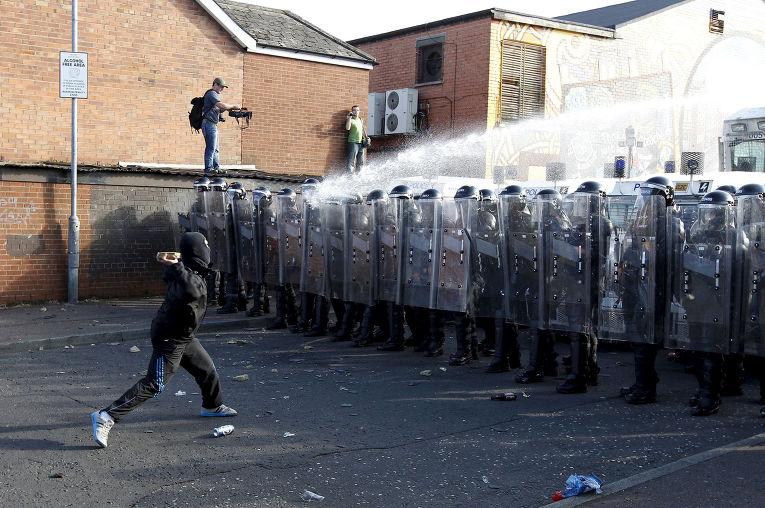 Столкновения в Белфасте, 2011 год