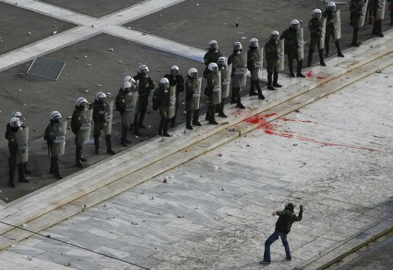 Акция протеста у здания парламента в Афинах