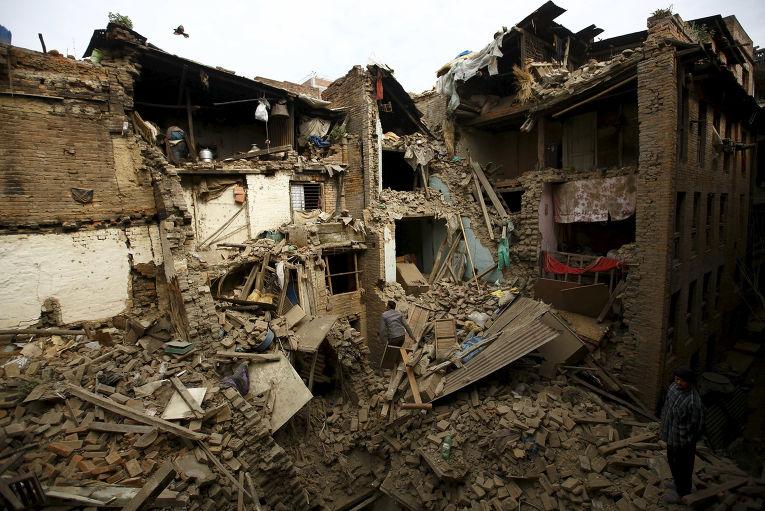 Дом в Бхактапуре, Непал, обрушившийся во время землетрясения