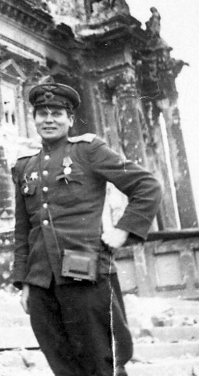 Георгий Самсонов в Берлине в 1945 году
