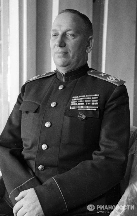 Советский военачальник, Главный маршал артиллерии, Герой Советского Союза Николай Воронов.