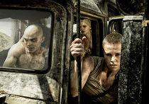 Кадр из фильма «Безумный Макс: Дорога ярости»
