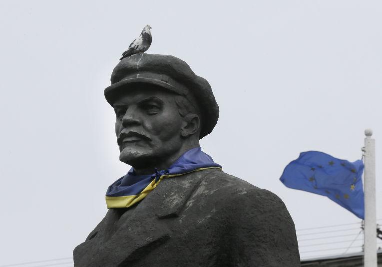 Памятник Ленину в Славянске