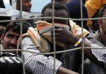 Беженцы из Африки в порту Палермо
