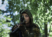 Ополченец рядом с Марьинкой в Донецкой области