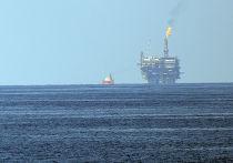 Нефтяная платформа итальянской компании ENI в Средиземном море