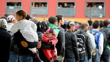 Мигранты на железнодорожной станции в Гевгелии, Македония
