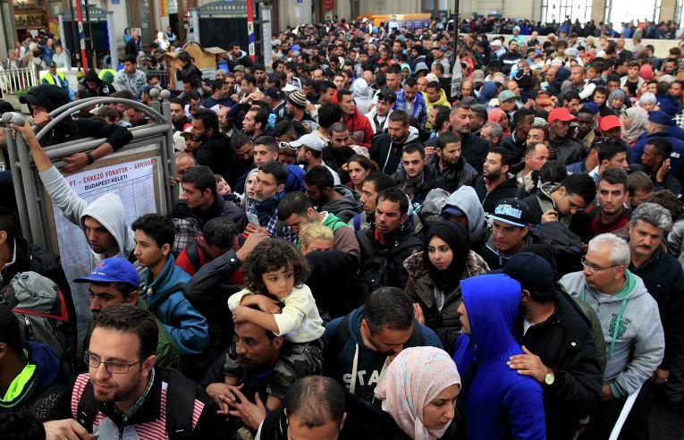 Картинки по запросу беженцы