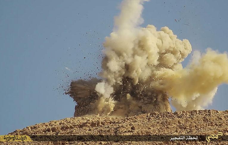 Боевики Исламского государства (запрещена в РФ) взрывают мавзолеи в Пальмире