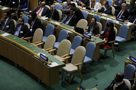 Пустые стулья украинской делегации во время выступления Владимира Путина на 70-й сессии Генеральной ассамблеи ООН