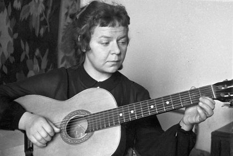 Поэтесса Новелла Матвеева