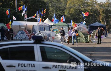 Палаточный лагерь участников антиправительственных акций в Кишиневе