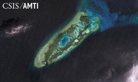 Риф Огненный крест в Южно-Китайском море в 2006 году