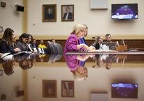 Энн Патерсон и Виктория Нуланд на слушаниях в Комитете Палаты представителей, посвященным действиям России в Сирии