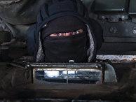Ополченец во время отвода орудий рядом с городом Новоазовском