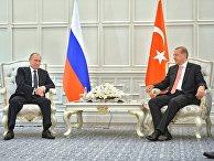 Президент России Владимир Путин (слева) и президент Турции Реджеп Тайип Эрдоган во время встречи в Баку