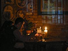 Кафе в Симферополе после повреждении линии электропередачи