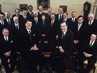 Президент США Рональд Рейган, вице-президент Джордж Буш и члены кабинета министров, 1981 год