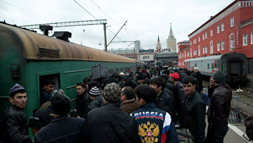 "Пассажиры поезда ""Москва-Душанбе"""